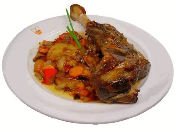 Shoulder-of-Lamb-Baked-and-Vegetables
